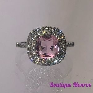 Jewelry - Stunning sterling silver pink topaz ring
